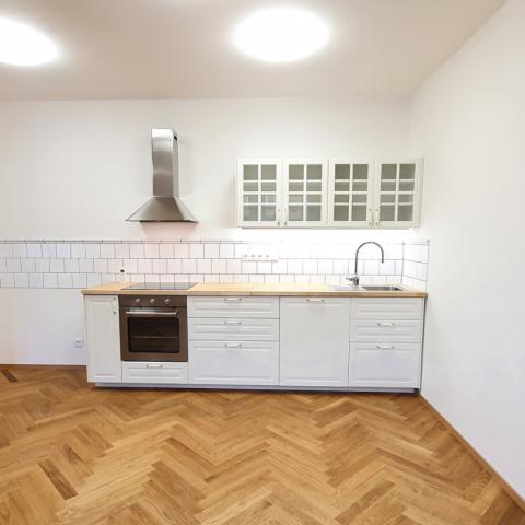 Pronájem bytu 2+kk 99 m²