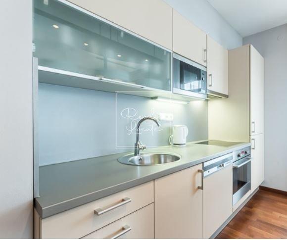3-kk-classic-kitchen 2