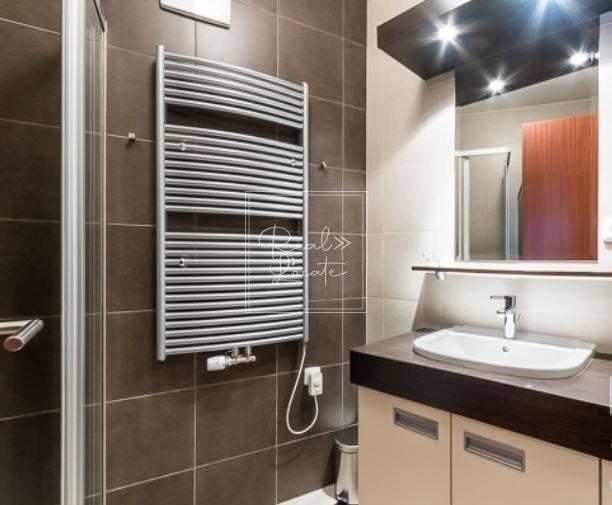 3-kk-classic-bathroom